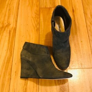 Saks 5th Ave Gray Suede Wedge Ankle Boots SZ 8